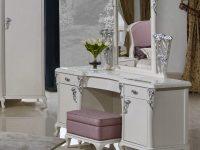 Стол туалетный с зеркалом Sharlyn