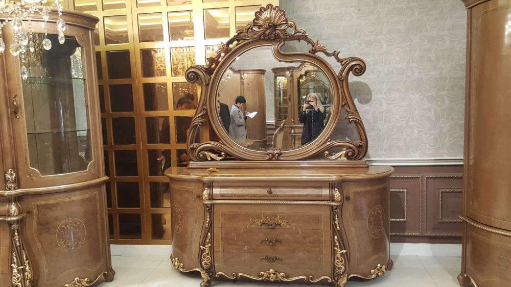Комод Esmeralda с зеркалом