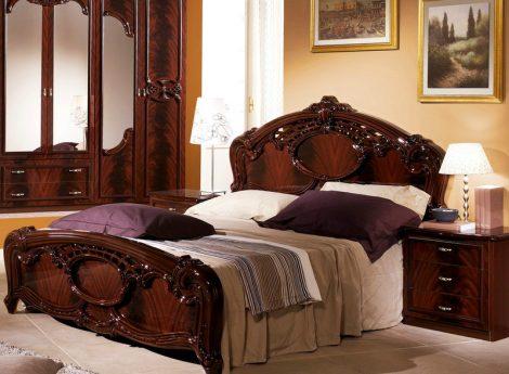 Коричневые кровати